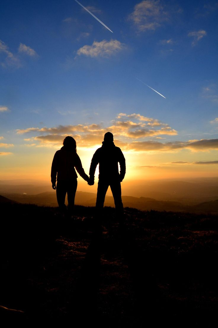 Silhouettes & sunset // photogallery - DR travelblog Pen-y-fan, Brecon Beacons National Park, Wales, United Kingdom