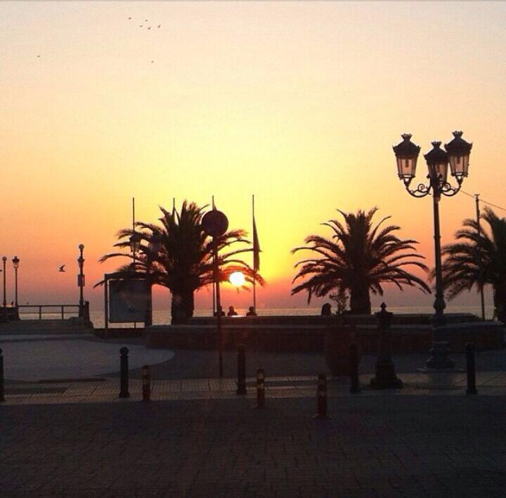 Sunset in Paralia Katerinis, Pieria, Greece photo: Rais Tsolaridou