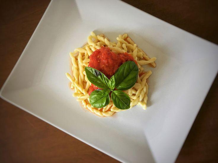Pasta al pomodoro Итальянская кухня рецепты Средиземноморская диета Средиземноморская кухня #паста