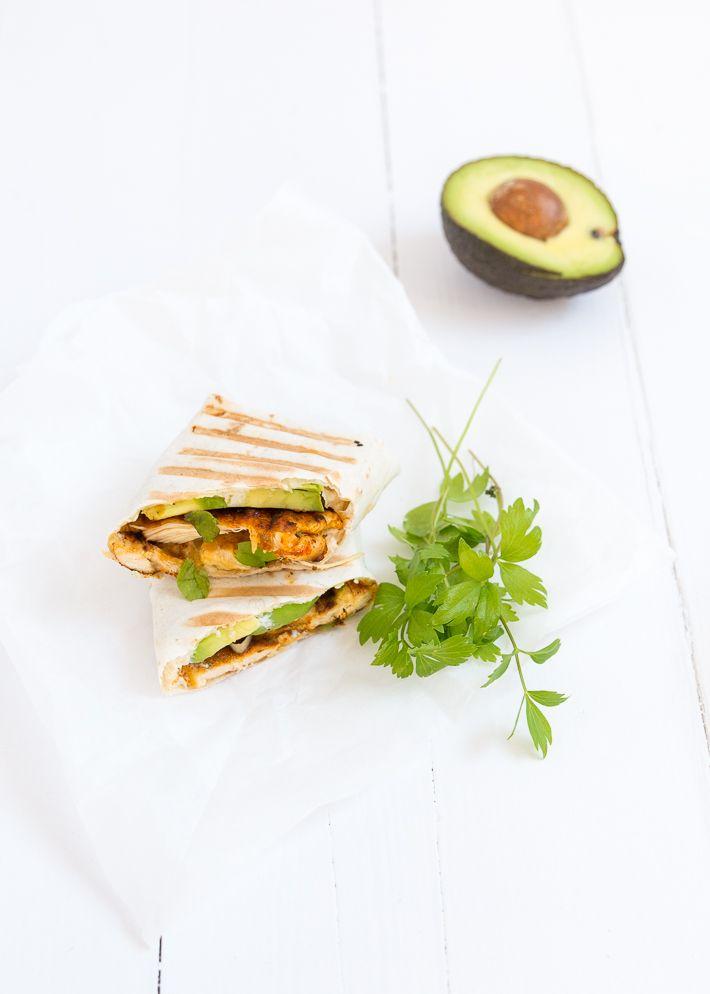 Mmm lekker een burrito met kip en avocado