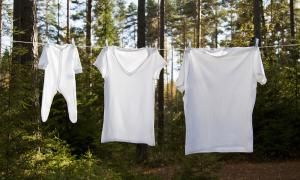 How to use hydrogen peroxide to replace chlorine bleach in laundry. Use to whiten whites, brighten clothes, remove odors and sanitize the washer.: Whiten Whites With Hydrogen Peroxide