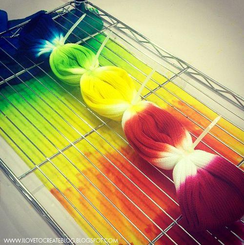 ilovetocreate_rainbow_socks2