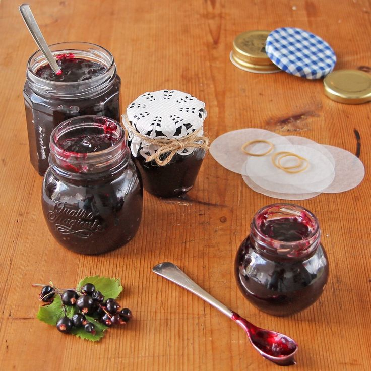 This Blackcurrant Jam Recipe is the perfect way to use up a glut of blackcurrants, and is an easy jam to make as blackcurrants are so high in pectin.
