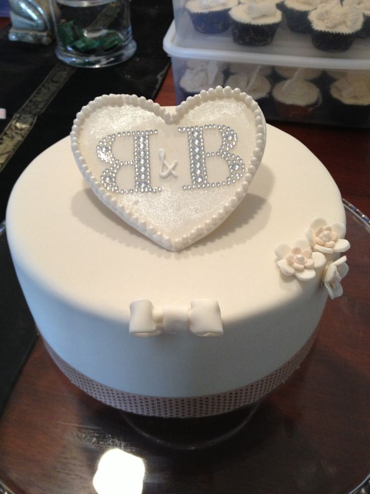 Engagement Cake with glitzy initials