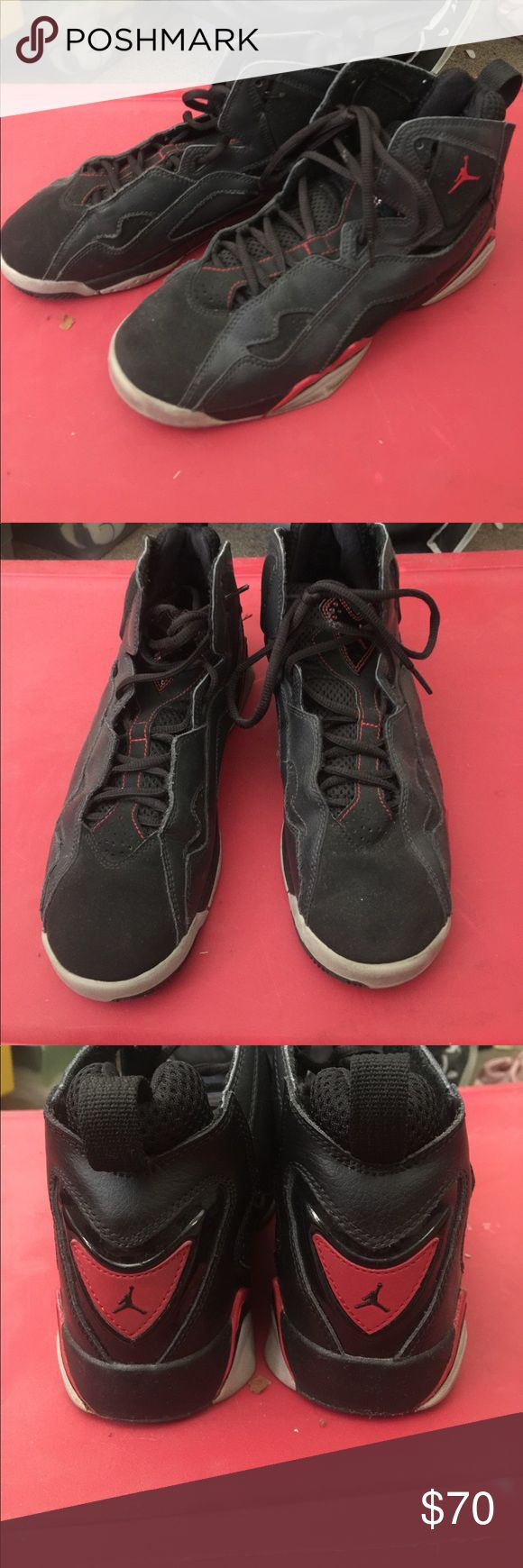 Authentic Jordan's sz 6 Youth Authentic Jordan's sz 6 Youth used but in great condition Jordan Shoes Athletic Shoes