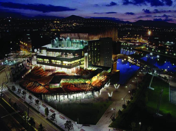 티타늄으로 만든 외관의 독특한 아름다움으로, 관광객들의 시선을 한눈에 사로 잡는 빌바오 구겐하임 미술관. | Lexus i-Magazine Ver.4 앱 다운로드 ▶ www.lexus.co.kr/magazine  #Lexus #Magazine #Progressive #SPACE #Bilbao