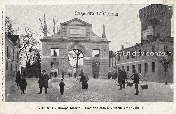 L'arco del Revese o di Campo Marzo in una cartolina del primo '900. Il link riporta all'articolo con la storia del manufatto scomparso.