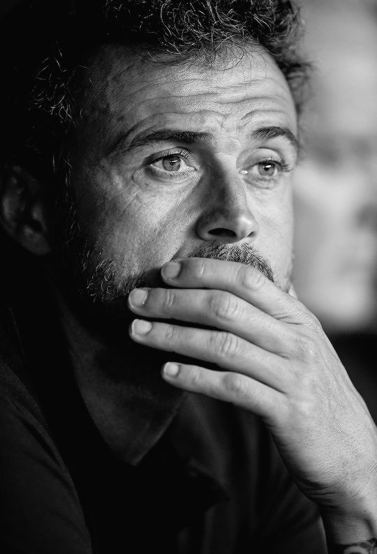 Luis Enrique during the match between Sevilla FC vs FC Barcelona as part of the Spanish Super Cup Final 1st Leg at Estadio Ramon Sanchez Pizjuan on August 14, 2016 in Seville.