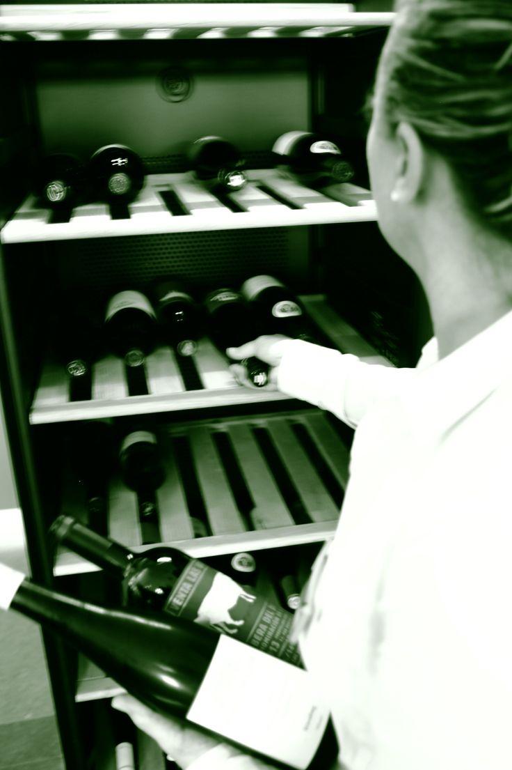 Weinschrank im Restaurant