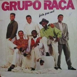 """É da sua Época? Você se lembra ou já ouviu alguma música do grupo """"Grupo Raça"""" em meados anos 90? Foi um dos grupos de pagode de sucesso ..."""