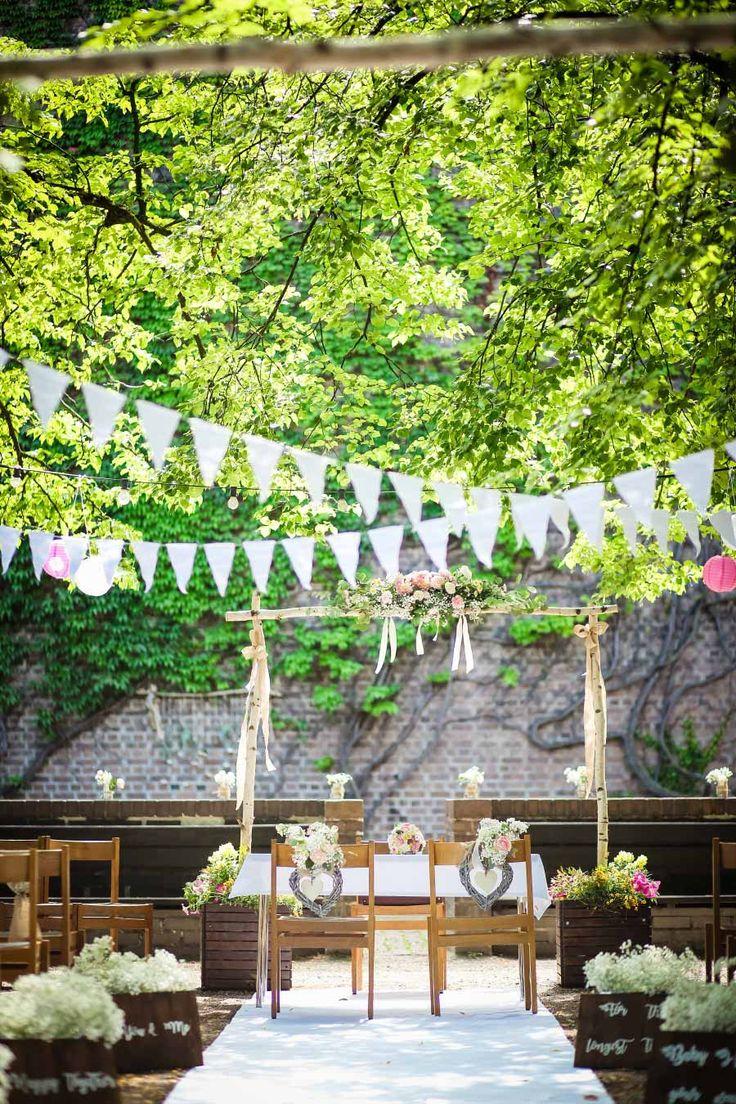 Die Hof-Hochzeit von Nicolina & Jürgen mit freier Trauung. Fotografiert von Oh. What a Day – Wedding Photography – Anja Maissner