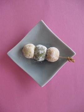 Da Washoku Kitchen: 三色花見団子風スノーボールクッキー HANAMI DANGO snow ball cookies.