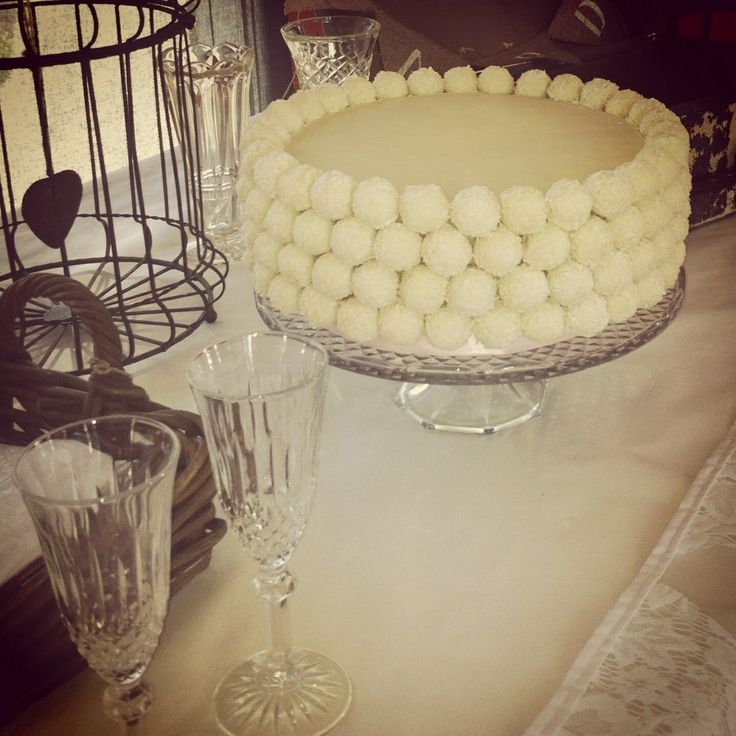 White chocolate mud cake, small wedding cake.