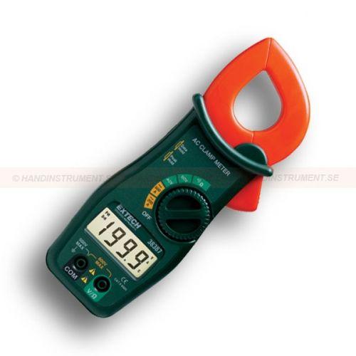 """http://handinstrument.se/stromtang-r1041/600a-stromtang-multimeter-53-38387-r1128  600A strömtång, MultiMeter  Mäter AC ström, AC / DC spänning och resistans  33mm rund tångkäft för stora kablar (350MCM)  Stor 2000 punkter LCD-display  Data Hold """"fryser"""" data i displayen  Peak Hold fångar inkopplingsström  Kontinuitets-larm Garanti: 2 År Leveranstid: 4-5 Veckor"""