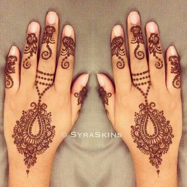 Omg! Im so into pendants inspired henna. Source by Syraskins.