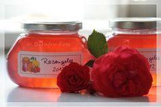 """""""Das Herz und die Rose   sind das einzig Unvergängliche""""   (Paracelsus)   Ich habe dieses Jahr wieder Rosengelee gekocht, weil es uns so wa..."""