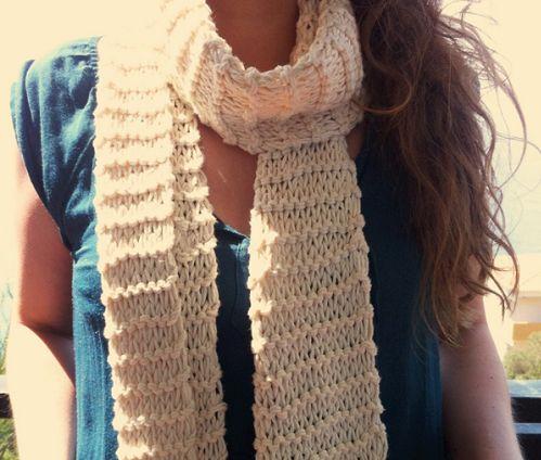 """L'écharpe d'été """"Sahara"""" par Laure, la fondatrice de WoolKiss / summer scarf named """"Sahara"""" by WoolKiss' founder, Laure"""