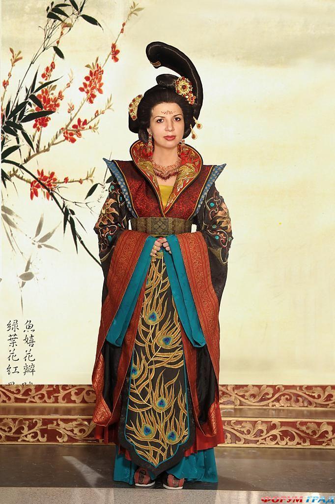 В Одессе выставят коллекцию старинных платьев
