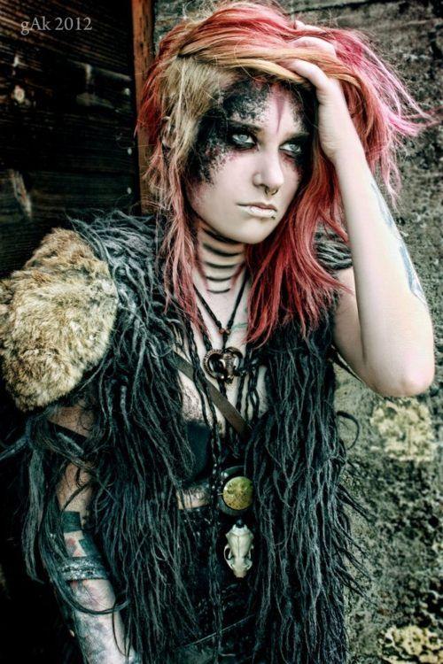 Makeup Post Youtube: Wasteland Wannabe- Women's Fashion