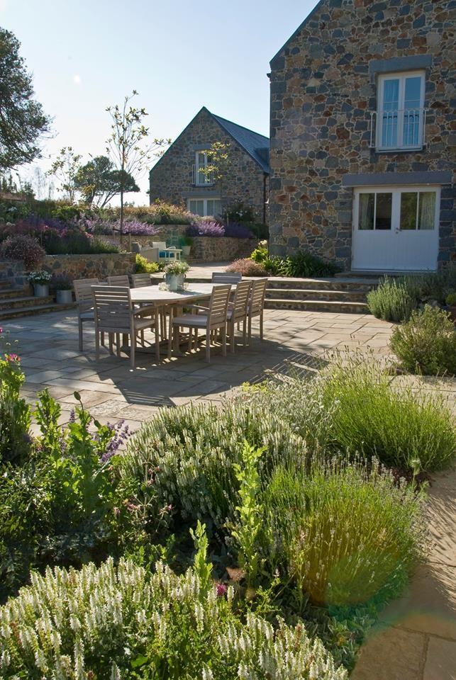 Hinterhof, Essen Im Freien, Terrasse Ideen, Garten Ideen, Gartengestaltung,  Robert Riu0027chard, Deck Patio, Acre, Guernsey