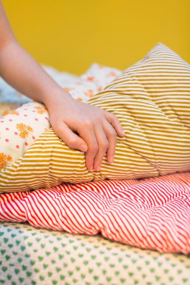 18 best matelas images on pinterest floor mattress bedrooms and banquettes. Black Bedroom Furniture Sets. Home Design Ideas