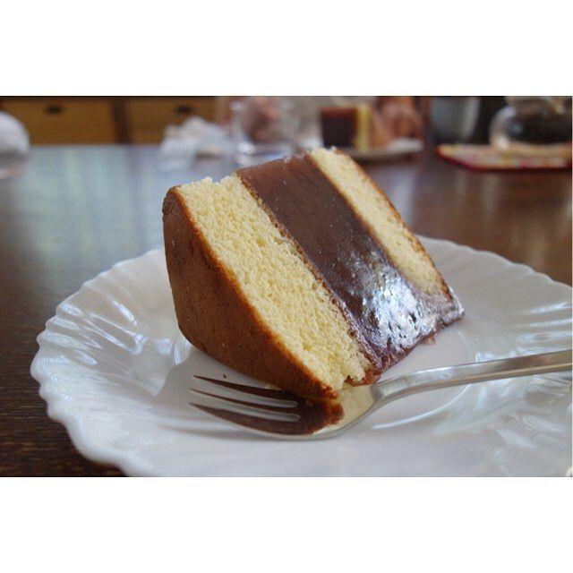 念願のシベリアゲット(-)/ 分厚いアンコ部分の水羊羹が甘ったるくなくさっぱりとしてて美味しい #meallog #food #foodporn