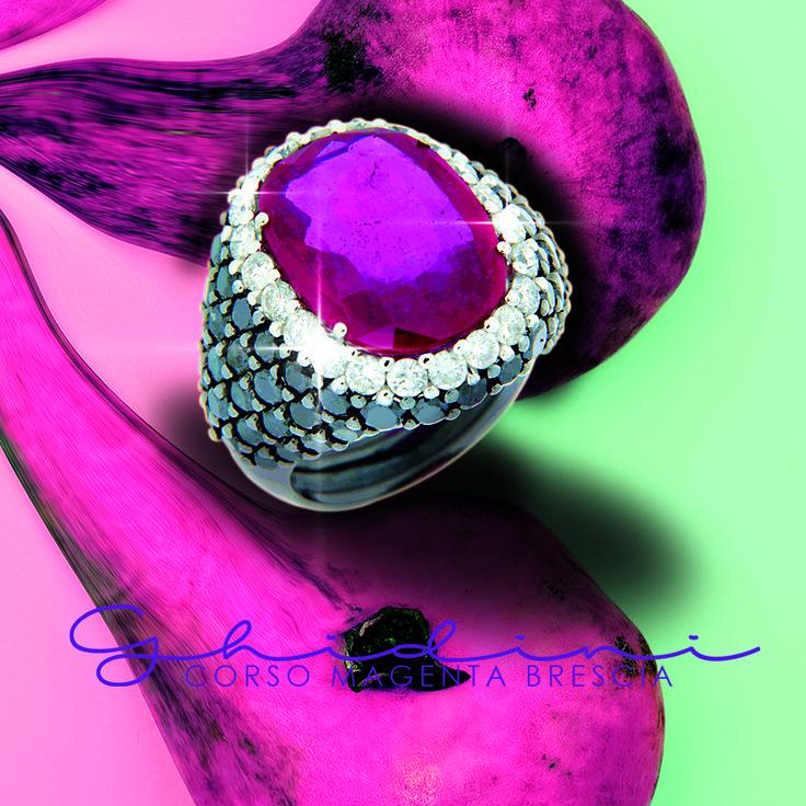 anello rubino e diamanti neri #fashion #ring #bresciacentro #brescia #ghidinigioielli #ruby #blackdiamond #heritage #fashion #madeinitaly
