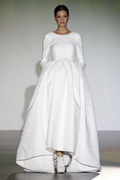 60 abiti da sposa con gonna ampia per il 2016: dai volume al tuo look Image: 15