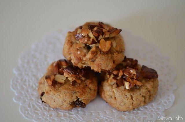Biscotti d'autunno con uvetta, nocciole mandorle e miele.