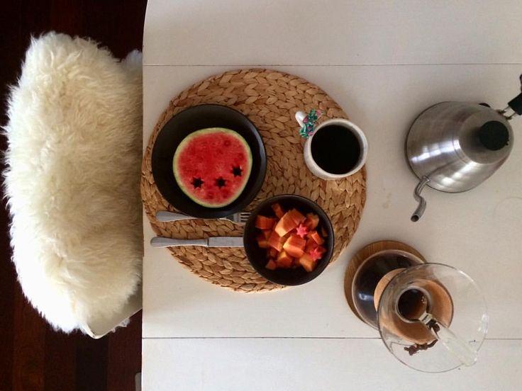 """104 Gostos, 2 Comentários - Andreia Barata Costa (@andreiacostahandmade) no Instagram: """"Sexta-feira. Assim, simples...mas com muita calma. #omeucafédamanha #andreiabchome…"""""""