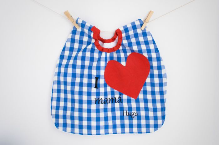 #Babero #personalizado para #peques mimados! #regalo  hecho a mano #guardería #bebe #niño #niña #bib #nosolobaberos