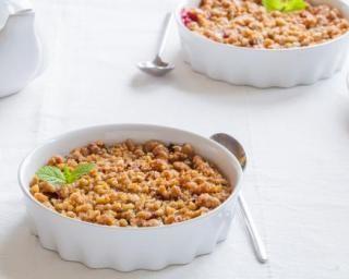 Crumble pas cher pommes et corn-flakes nature : http://www.fourchette-et-bikini.fr/recettes/recettes-minceur/crumble-pas-cher-pommes-et-corn-flakes-nature.html
