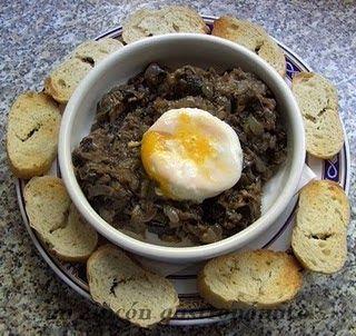 _Es una receta muy sencilla y queda muy suave al paladar se asemeja mucho a la morcilla de sangre y lo bueno de la receta es que no tiene colesterol INGREDIENTES:  2 berenjenas  2 cebollas  1 calabacín  50 gr. de piñones  1 cucharadita de orégano  Aceite de oliva  Pimienta negra molida  Sal  ELABORACIÓN:  Lavar y cortar muy menudas las berenjenas con piel picar la cebolla muy fina y el calabaín.  En una olla con aceite de oliva se dejan pochar todos los ingredientes juntos hasta que queden…