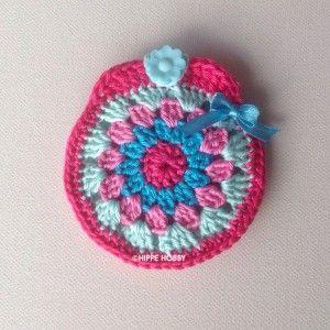 Gehaakt tasje voor een speentje. Crochet little girl bag