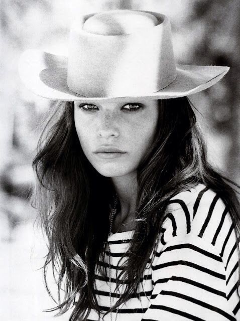 Hat and stripes.