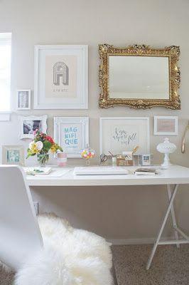 Pequeno escritório feminino e delicado