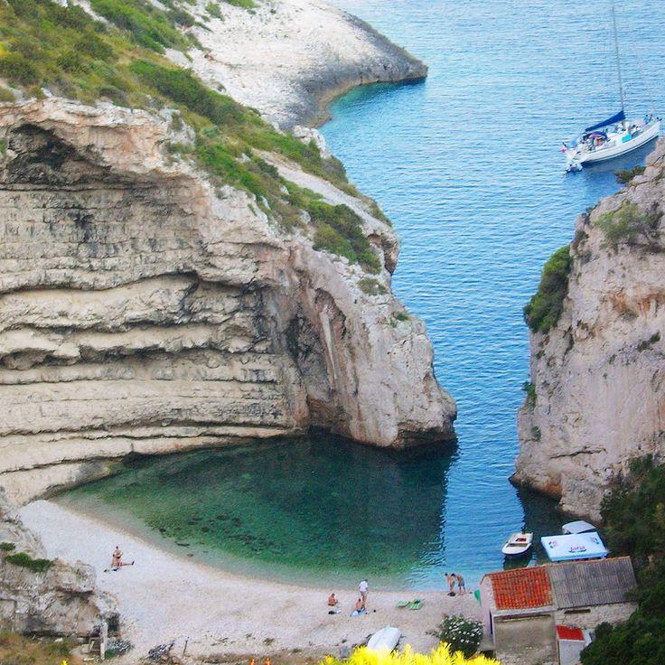 Stiniva beach, Vis, Dalmatia, Croatia