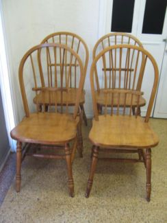 $100 4x Vintage TIMBER CHAIRS Country Style Solid Seats 45x45x46cm Text 0411691171 or email info@bitspencer.com