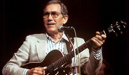 "W4CGP Chet Atkins, Amateur Radio Station (ex-WA4CZD); ""Mr.Guitar"", legendary recording artist;"