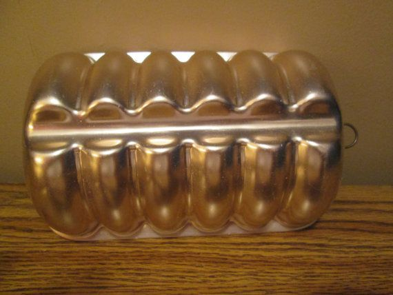 Free Shipping on Copper Colored Six Section Vintage Jello Mold