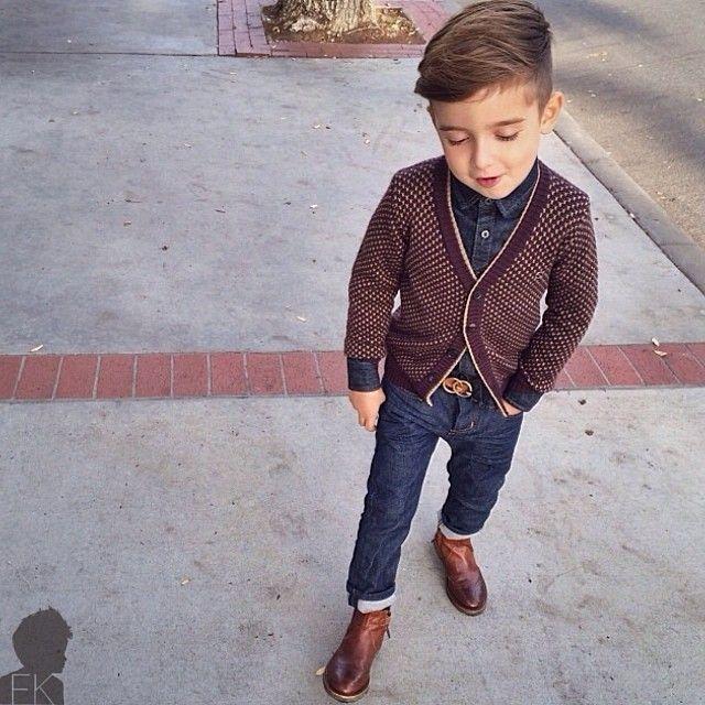 Meninos Estilosos Moda Infantil Masculina #boys Fashionistas do Instagram - Look Jeans sueter e bota  @luisafere #postmyfashionkid