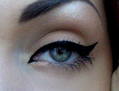 Incorporating the inner corner and tear duct with the winged liner: Perfect Cat Eye, Cat Eyeliner, Wings Eyeliner, Eyeliner Perfect, Hair Makeup, Makeup Eye, Cat Eye Makeup, Eye Liner, Black Cat