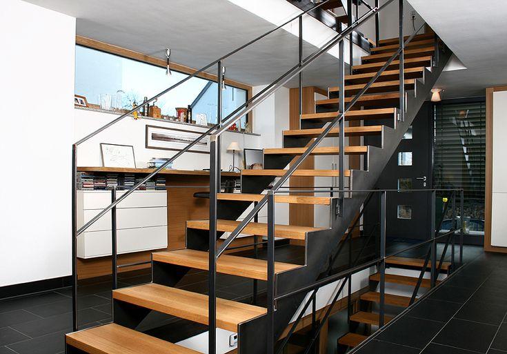 die besten 10 stahlwangentreppe ideen auf pinterest stahltreppe innen metalltreppe und. Black Bedroom Furniture Sets. Home Design Ideas