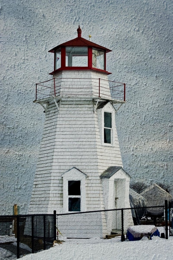 The Oakville Harbour Lighthouse by Ort Baldauf, via 500px