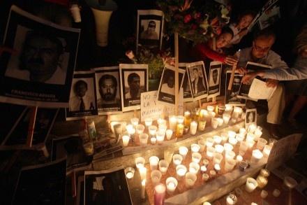 Memorial de agravios contra periodistas mexicanos en el Ángel de la Independencia. Foto: Germán Canseco