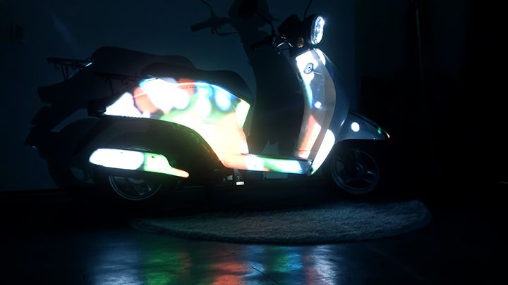 Motorcycle projection mapping worked on the ALMALOCO Launching party. it has the role of the exhibition lighting and we put the video in the form of cute scooter. we produce a variety of facial expressions of the video.
