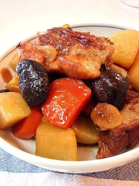 今日の夜ごはん用に作りました~ - 17件のもぐもぐ - 豚スペアリブと大根の煮物 by Pokota