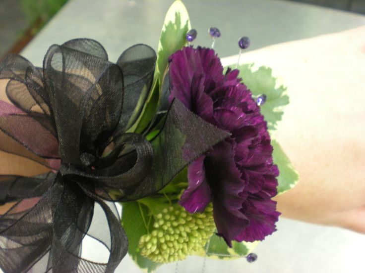 how to make a wrist corsage with fake flowers