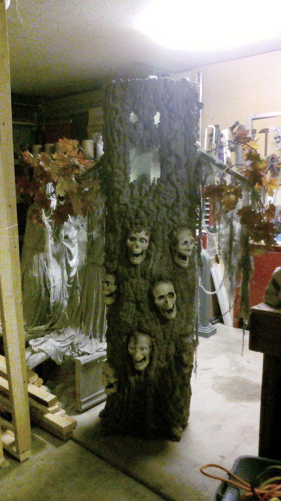 123 best diy halloween props images on pinterest for Haunted tree prop