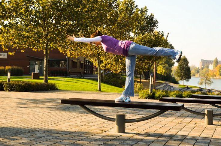 Vírabhadrászana 3 - Harcospóz 3 www.eljharmoniaban.hu jóga   meditáció   életmód